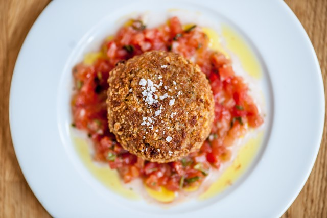 tom aikens, spicy crab cake, tom's kitchen, birmingham