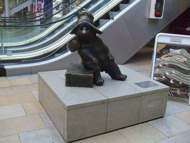 paddington bear, paddington station, michael bond