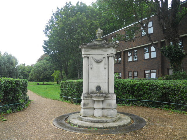 wandle park, colliers wood, james perry monument, fountain,