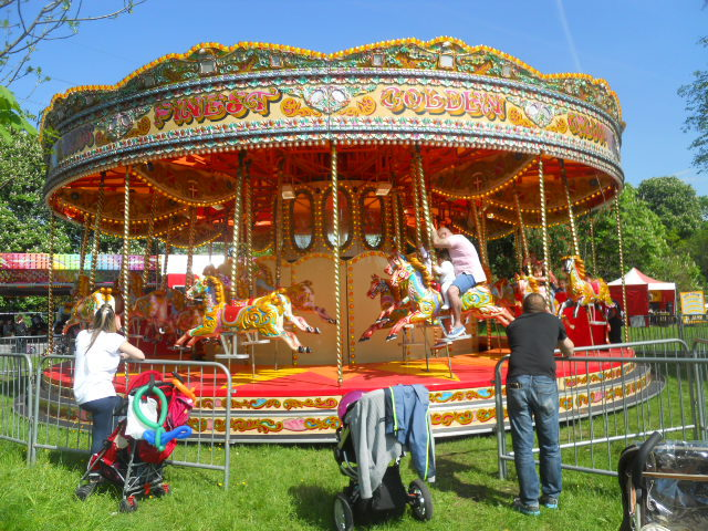 morden hall country show, oakleigh fairs, merry go round