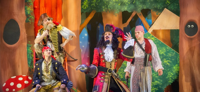 Peter Pan goes Wrong UK Tour theatre review Birmingham Rep Mischief Theatre