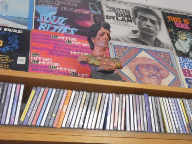 collector's records centre, kingston, keith richards, bust