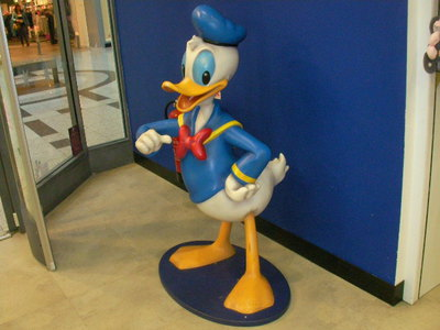 disney store, donald duck