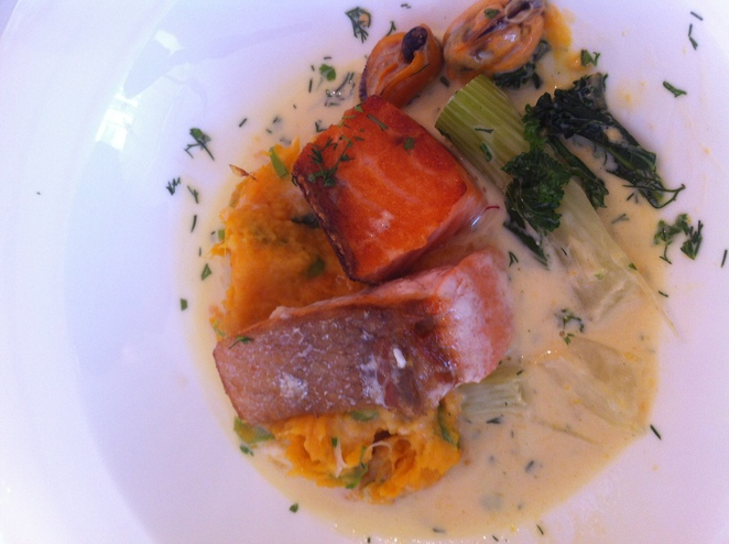 la potiniere, salmon, main course, guillane, restaurant