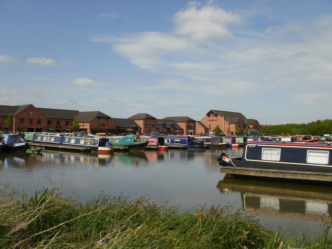 Barton Marina, Trent & Mersey Canal, The Waterfront, Red Carpet Cinema, lakes
