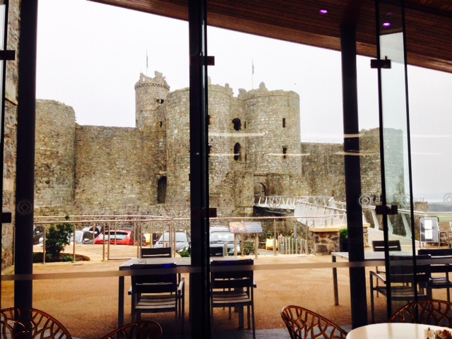 caffi castell, harlech caste, llew glas, things to do in harlech, llew glas deli, cade wales, cafe at the castle, harlech castle cafe, north wales, snowdonia national park