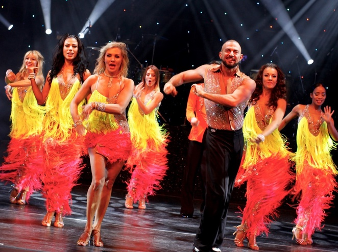 Keep dancing, robin Windsor , Louis smith, review,