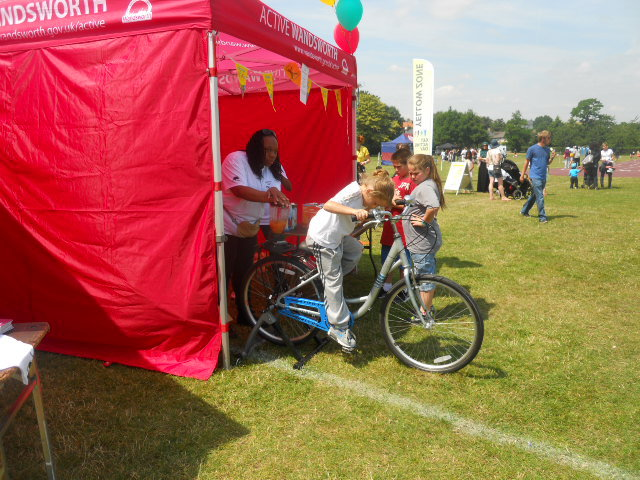 king george's park, get active wandsworth festival, get rhetoric, cycling, fruit smoothie