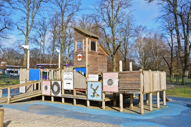 houndwell park, houndwell park playground, southampton playgrounds, fun for kids, southampton kids, southampton families