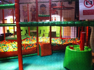 i kidz, soft play, activity centre, oxford, ball pit