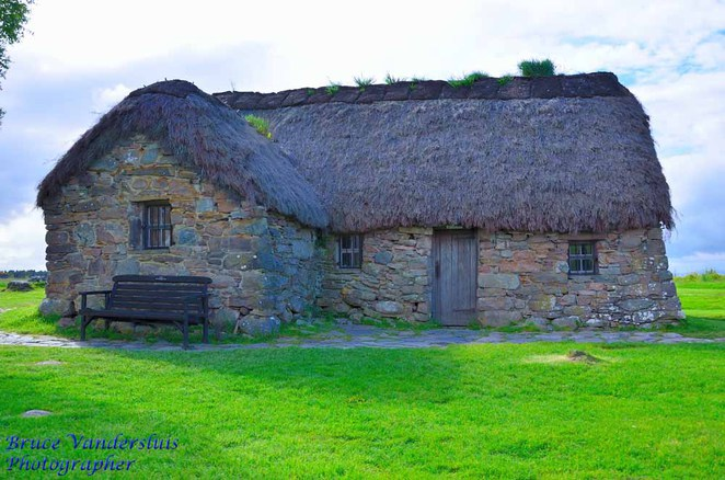 Culloden Moor, Battle of Culloden, weaponry, ghosts, Drumossie Moor, Scottish Highlands, kilts, plaid, bagpipes, echoes of the past, Leanach Cottage