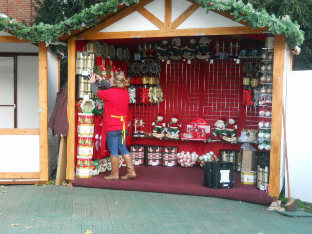 kingston, christmas market, memorial gardens, christmas decorations
