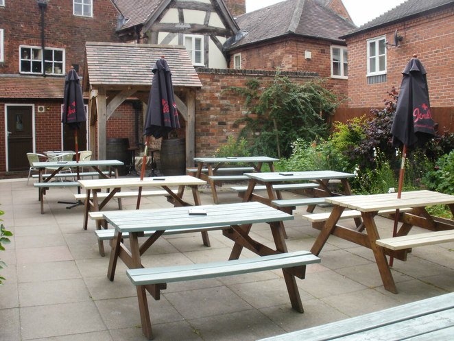 Duke of York, Lichfield, Joule's brewery, pub, inn, beer garden