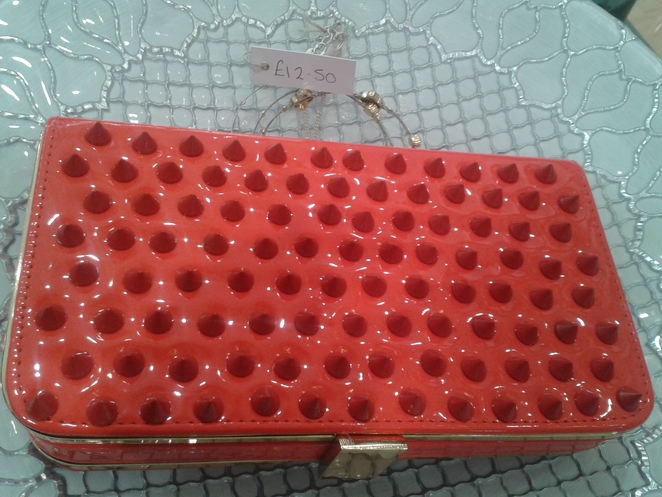 laundry boutique, clutch bag