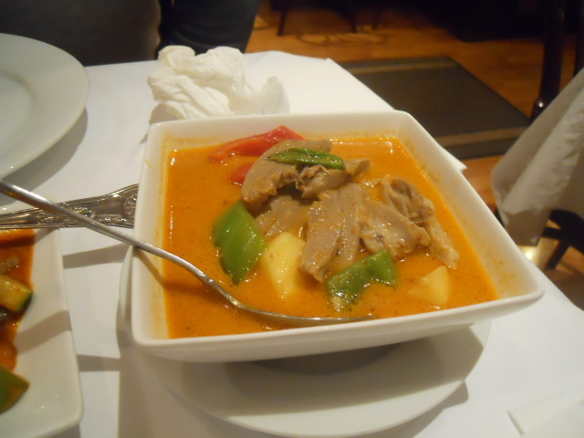 mai thai, restaurant, wimbledon, gaeng ped yang, duck, curry