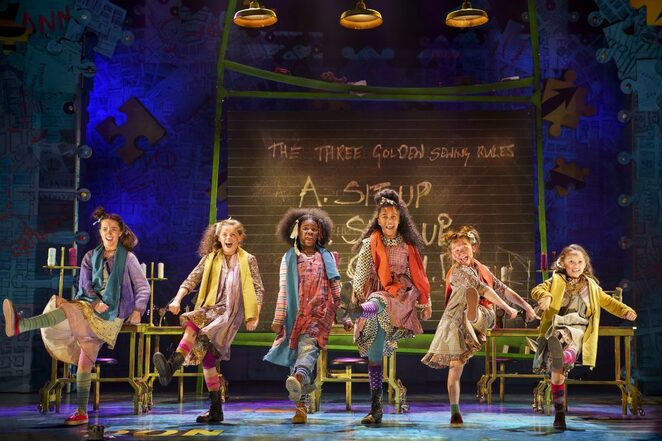 annie, birmingham hippodrome, school holidays, review