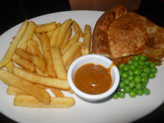 the slug, wimbledon, pub, chicken pie, chips