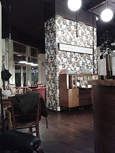 gorgeous and cosy decor at Cherry Reds