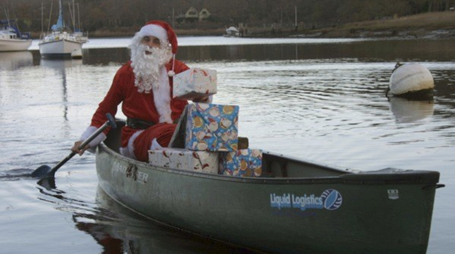 new forest activities, santa canoe, santa canoe paddle, fun christmas activities southampton