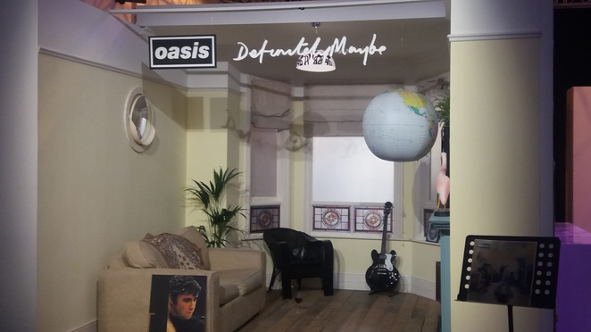 Definitely Maybe set, oasis, Manchester