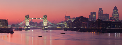 The Thames During the Evening