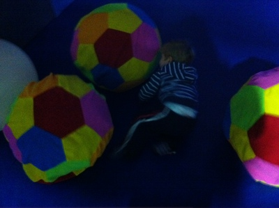 indoor play, giant balls, kids, children, toddler, forfar, frostys