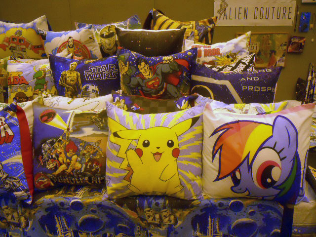london film & comic convention, lfcc, pokemon, pillows
