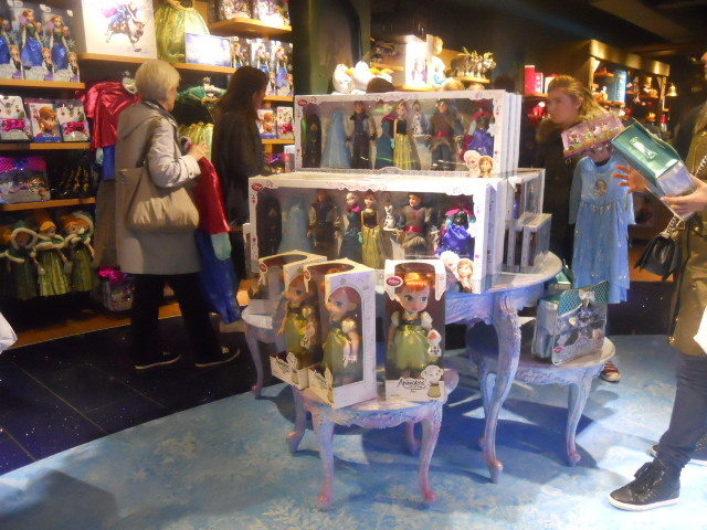 disney store, frozen