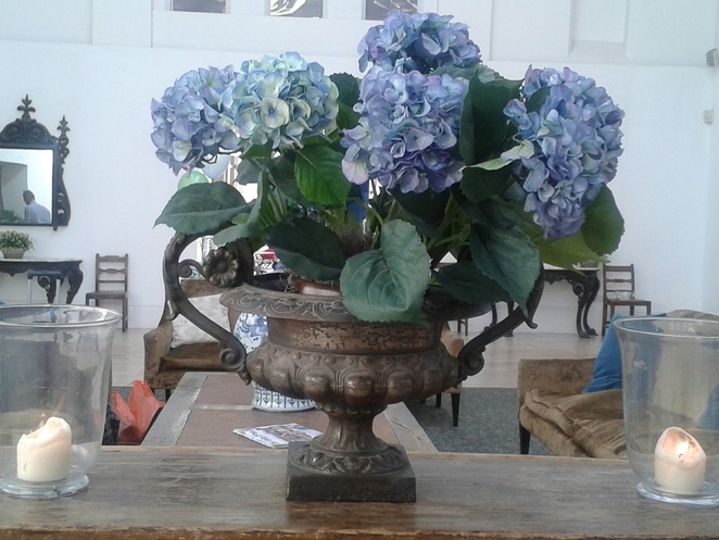 Centrepiece, flowers, vase, vases, Fazely Street Social