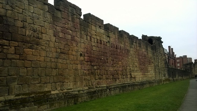 Newcastle upon tyne town wall guided guide history tour walk