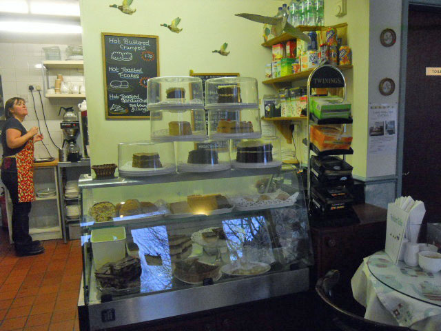 cartmel, the mallard tea shop, pudding, cake