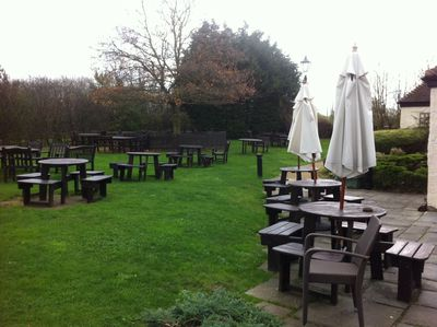 Turnpike, Beer Garden, Sunday Lunch, Yarnton, Oxforshire, family friendly