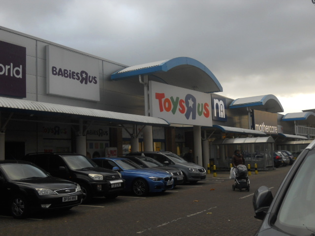 Colliers wood, priory retail park, toys r us