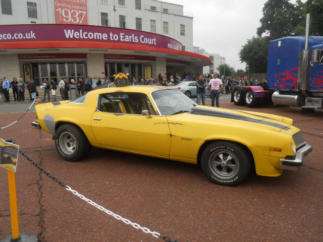 london film and comic convention, transformers, car