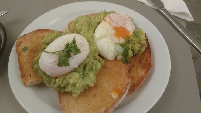poached eggs, brunch, ealing, london eats