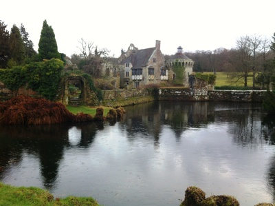 scotney castle, castle national trust, national trust scotney castle, tunbridge wells scotney castle, scotney castle mansion, scotney caslte history, castles in england, scotney castle lake