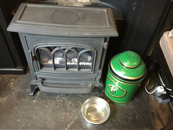 farer's tea and coffee merchants, kendal, tea house, dog bowl, fire place