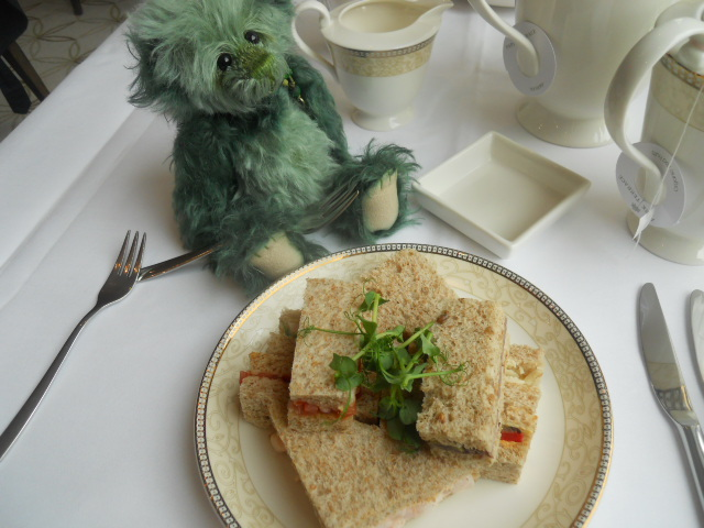 kensington royal garden hotel, afternoon tea, piano, sandwiches, charlie bears, mushy pea