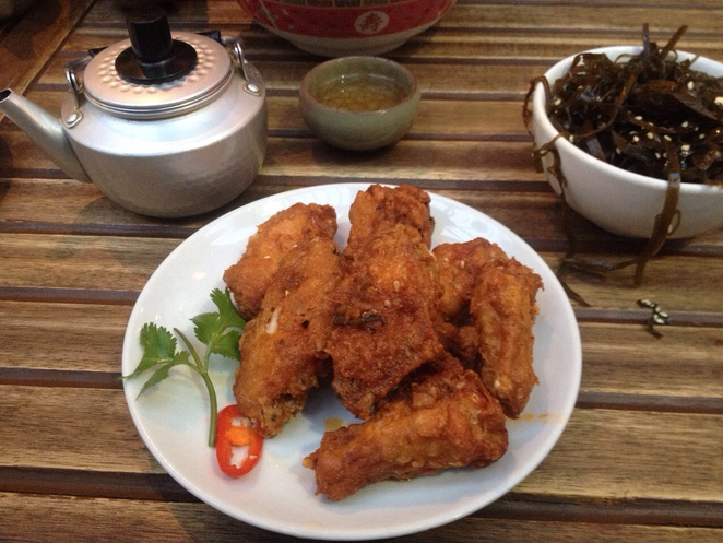 Spicy wings, Mama Lan, lunch, dinner
