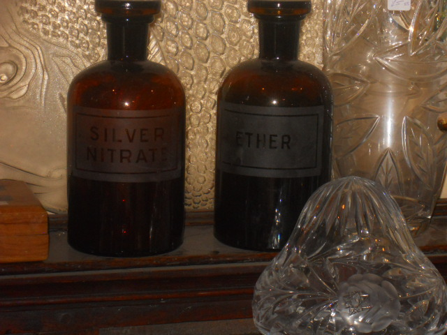 carshalton gallery antiques, bottles