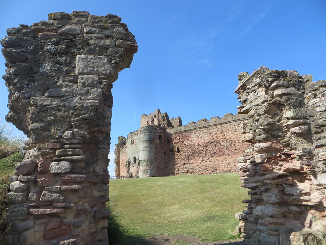 Tantallon, castle, Scotland, Historic Environment Scotland, history, medieval, siege, North Berwick