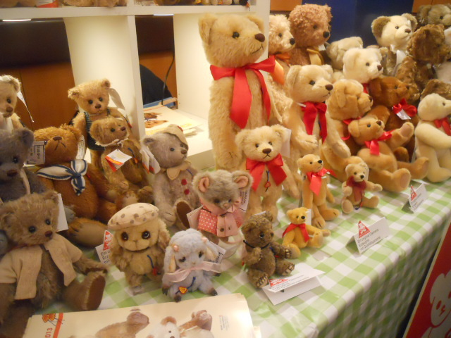 teddies winter fest, teddies 2015, hugglets, clothes, knitting, doll clothes