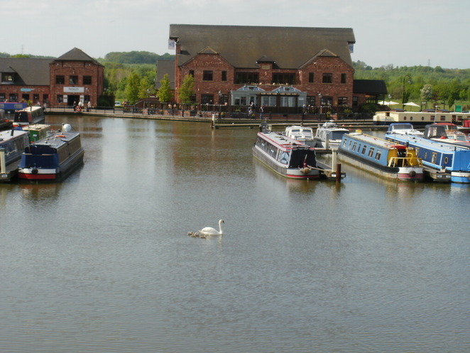 Barton Marina, Trent & Mersey Canal, canal boats, The Waterfront, Red Carpet Cinema