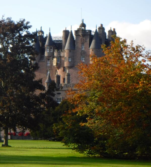 glamis,castle,scotland,royal family,historic,family day out