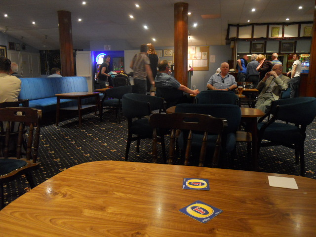 Kingston Working Men's Club, bar, lounge
