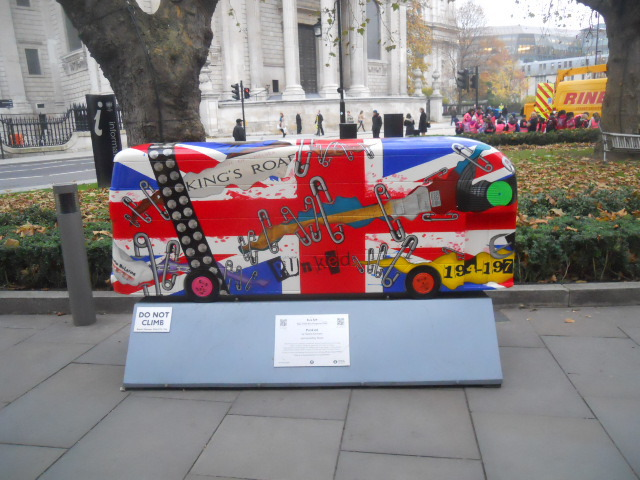 boris bus, bus trail, sculpture trail, punk'd, Valerie Osment