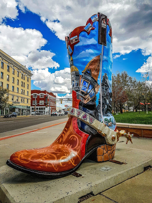 cheyenne frontier days, cheyenne wyoming, what to see in wyoming, what to see in cheyenne, the wrangler building cheyenne, bit-o-wy ranch, terry bison ranch, the dept cheyenne, things to do in wyoming, state capitol building cheyenne