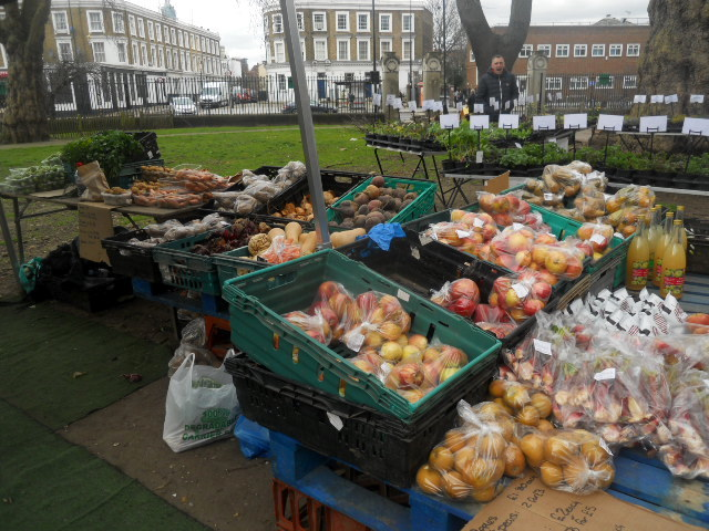 oval farmers' market, fruit & veg