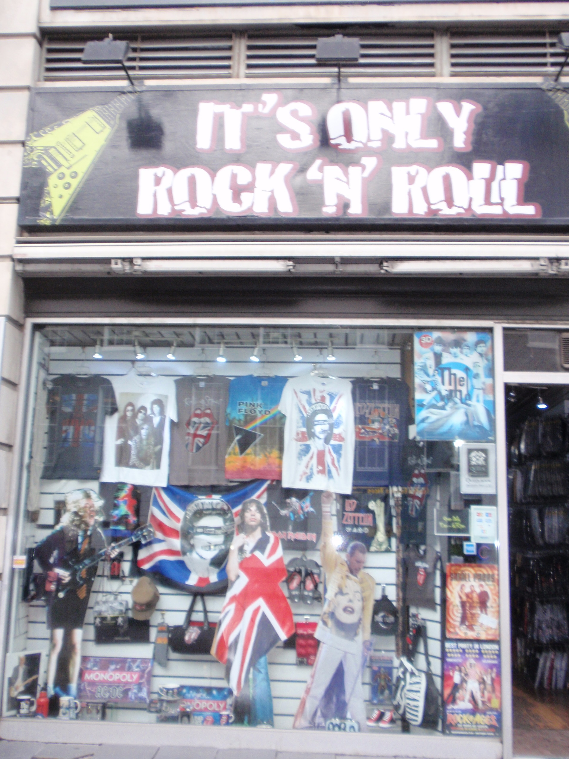 london beatles store and 39 it 39 s only rock 39 n 39 roll 39 london. Black Bedroom Furniture Sets. Home Design Ideas