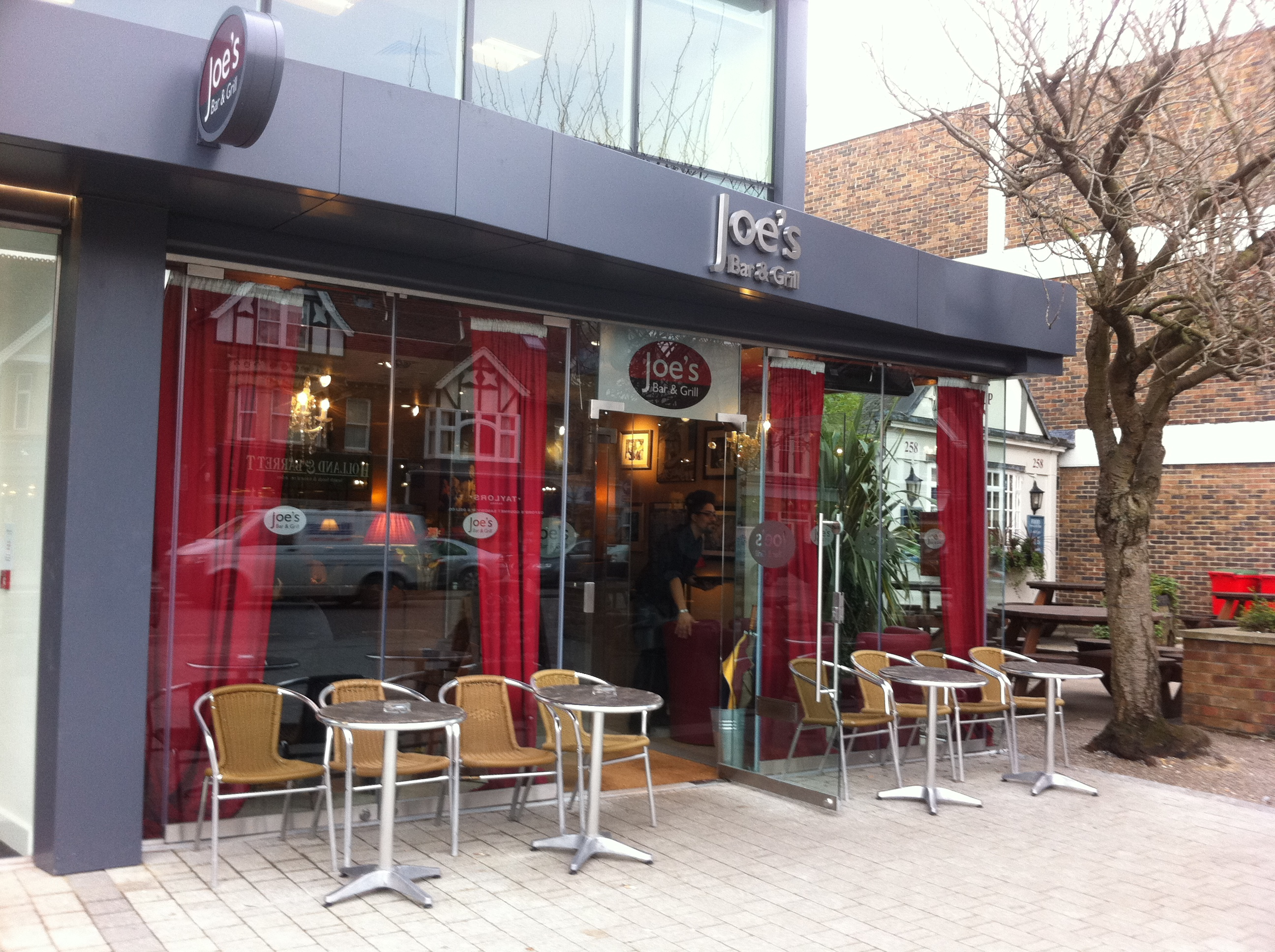 Joe 39 s bar and grill oxford - Restaurant bar and grill ...